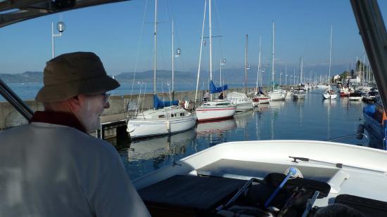 La flotille de l'UNOL amarrée à la digue, depuis le deck de l'ARCAS
