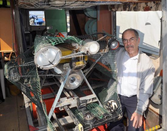 Gilbert Paillex et son robot